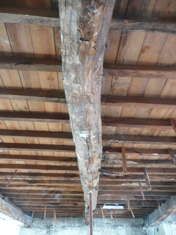 Viabilidad de la conservaci n de una estructura con vigas de madera el blog de la urbana - Vigas de madera redondas ...