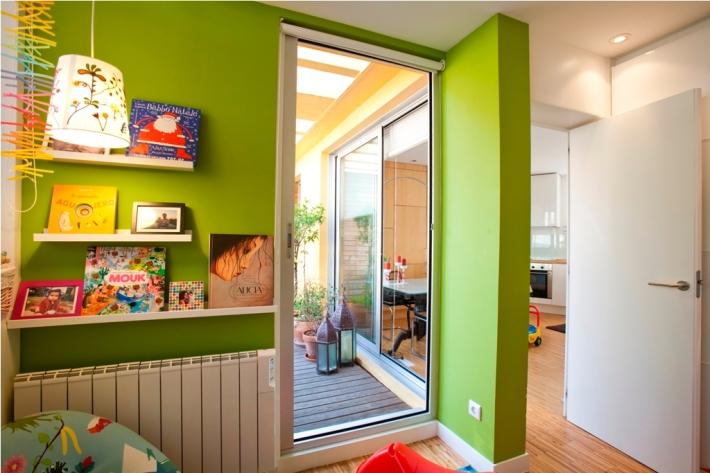 dormitorio niños puerta color verde