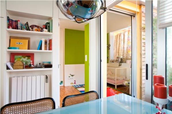 dormitorio niños obra mueble estanteria puerta