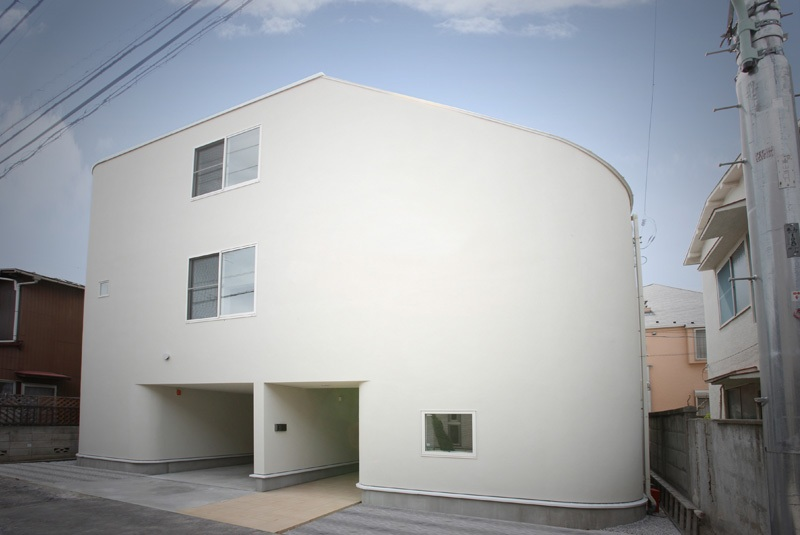 casa tobogán en nakameguro level architects