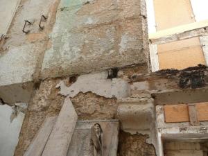 apoyo viga madera en ménsula de piedra