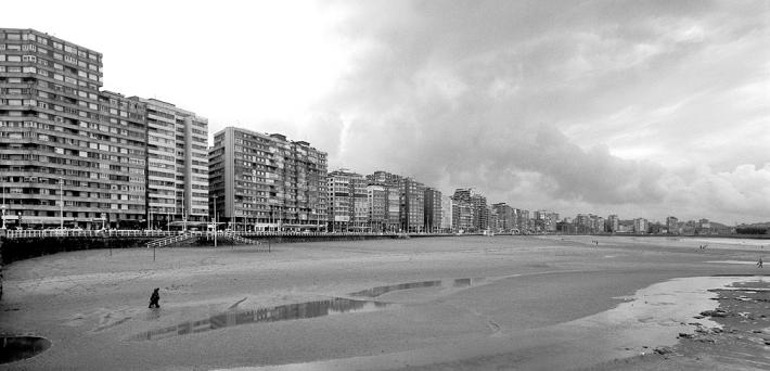Playa de San Lorenzo. Gijon.