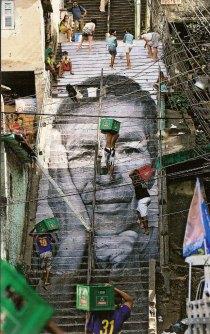 JR grafiti Rio chavelas 3
