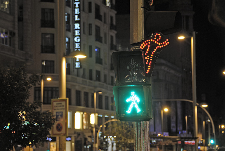 SpY traffic light