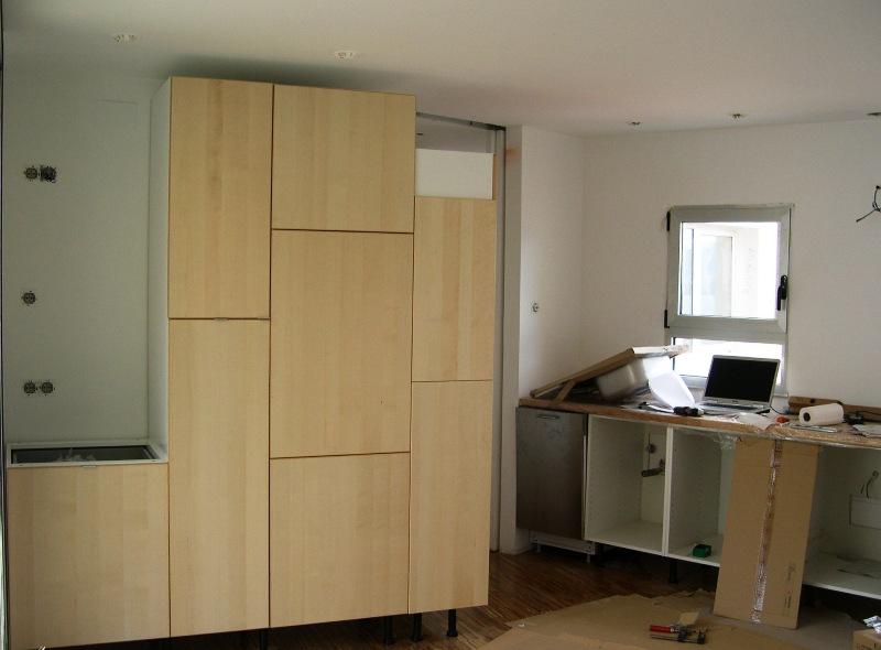 Ikea puertas cocina cambia los tiradores desde uacu en - Montaje de cocinas ikea ...