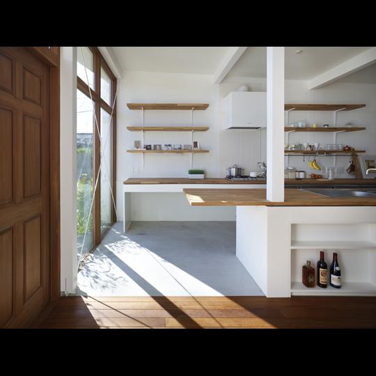 NAF architects & design dual chanel house vivienda japon ampliacion tunel