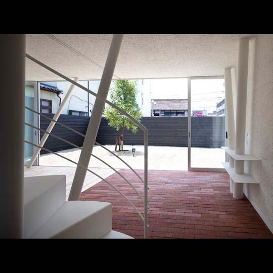 NAF architects & design vivienda unfamiliar japon