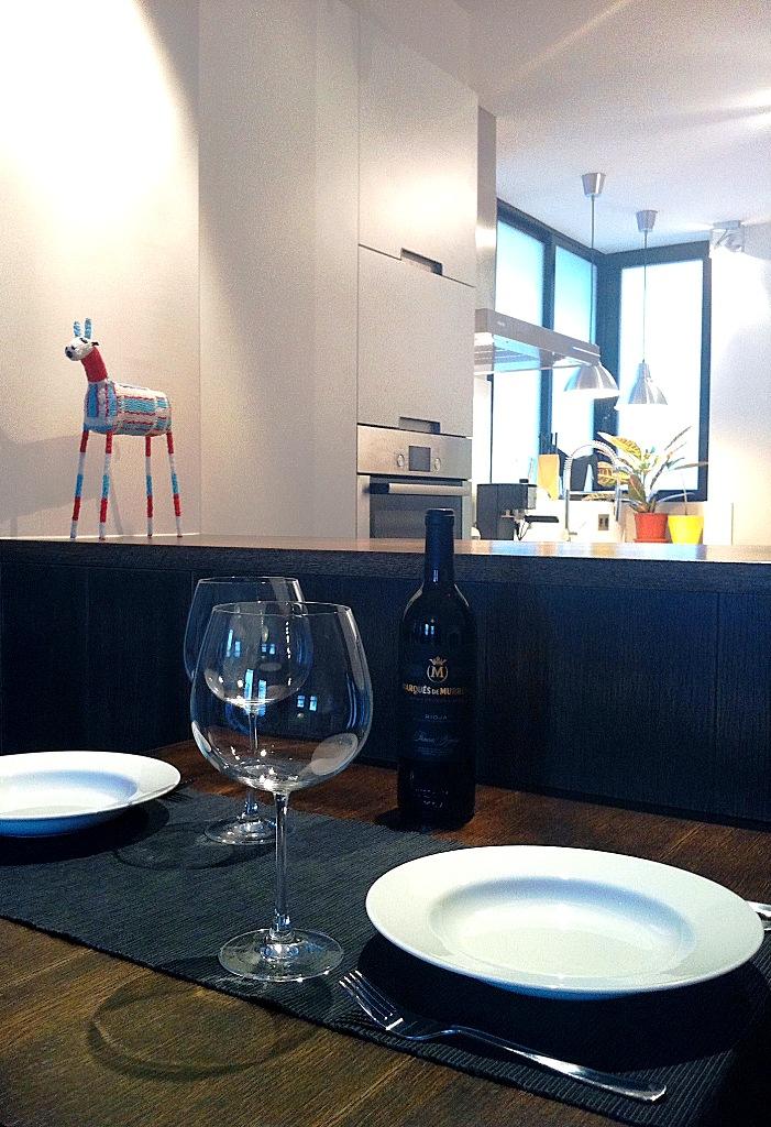 Mesa de comedor para apartamentos peque os la urbana for Remodelacion de apartamentos pequenos