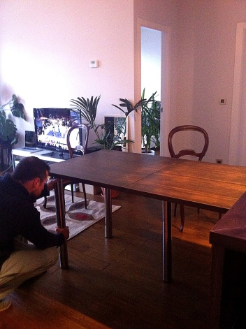 mesa comedor recogida barra madera apartamento pequeño montaje