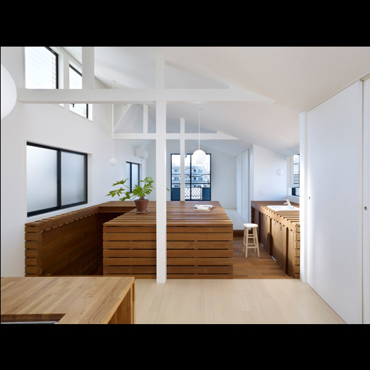 architects & design switch box inside vivienda unfamiliar japon caja madera